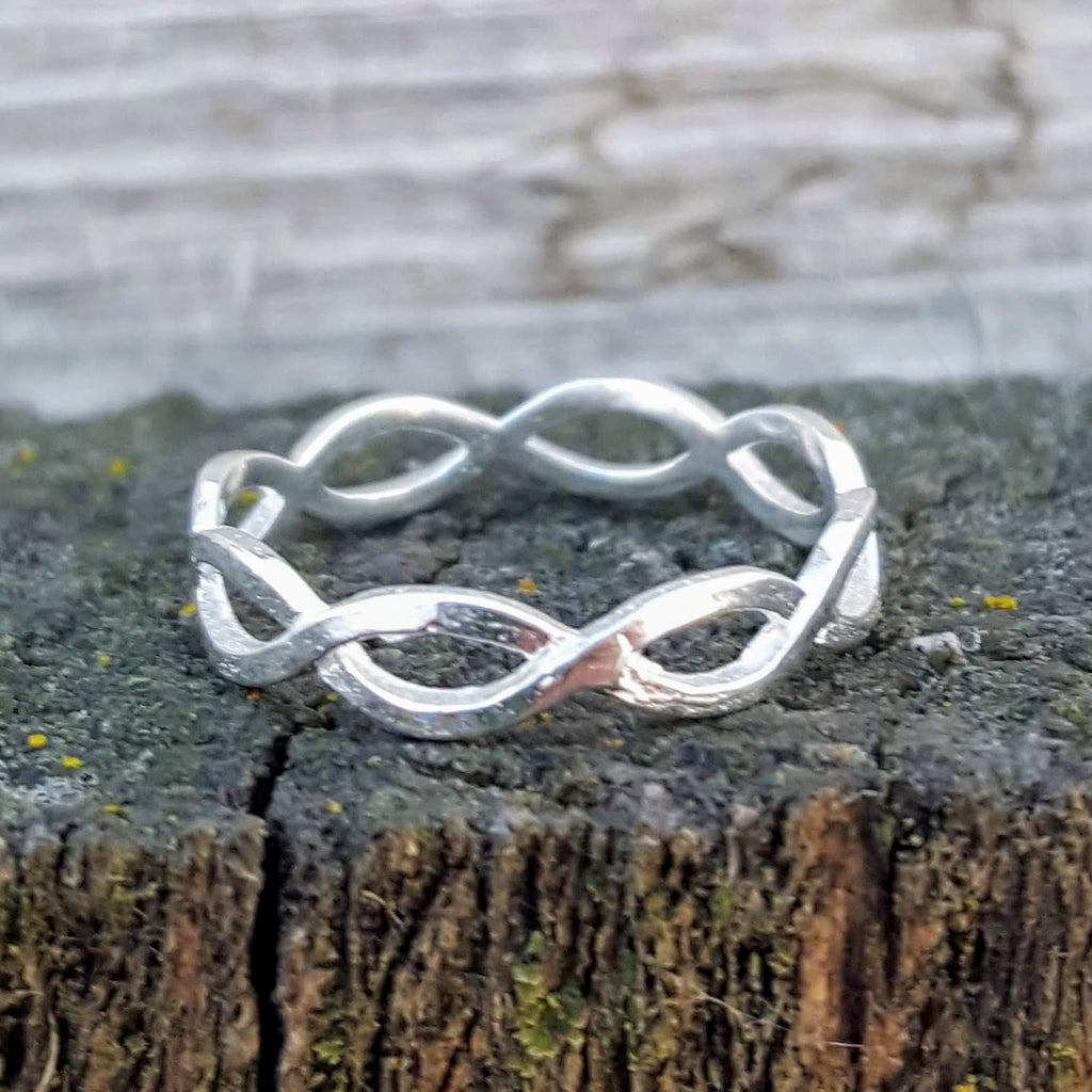 Adorable braided band ring in sterling silver