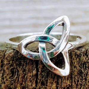 Trinity knot ladies fashion ring in sterling silver