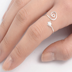 Swirling star toe or midi ring in sterling silver