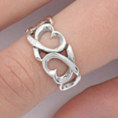 Ladies silver hearts ring