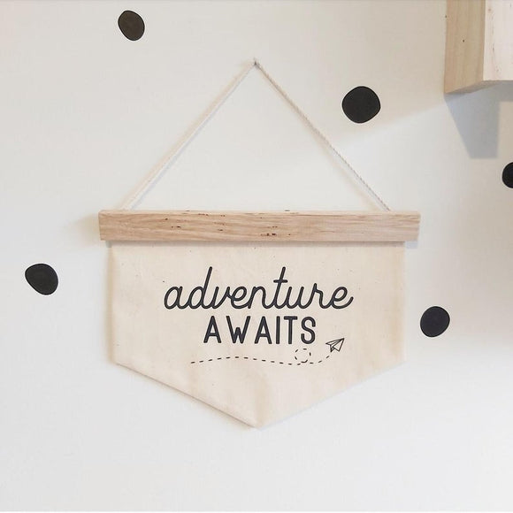 'Adventure Awaits' Quote Banner