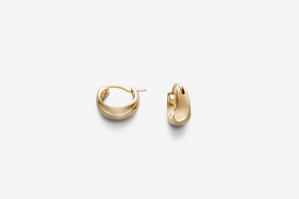 Hollow hoop earrings gold