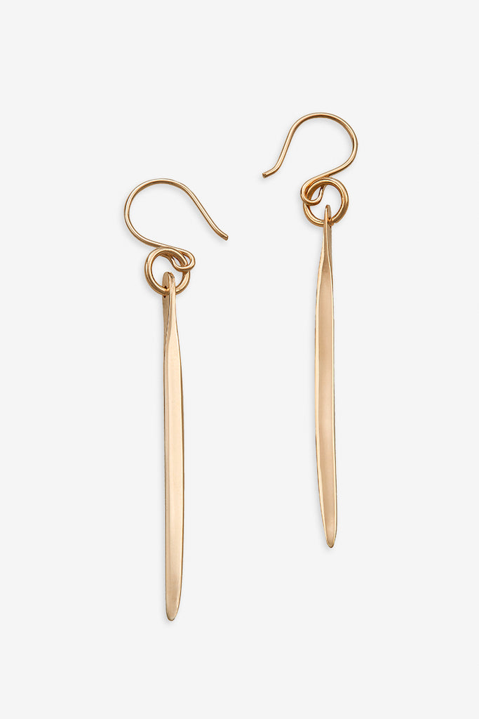 Arp needle G earrings