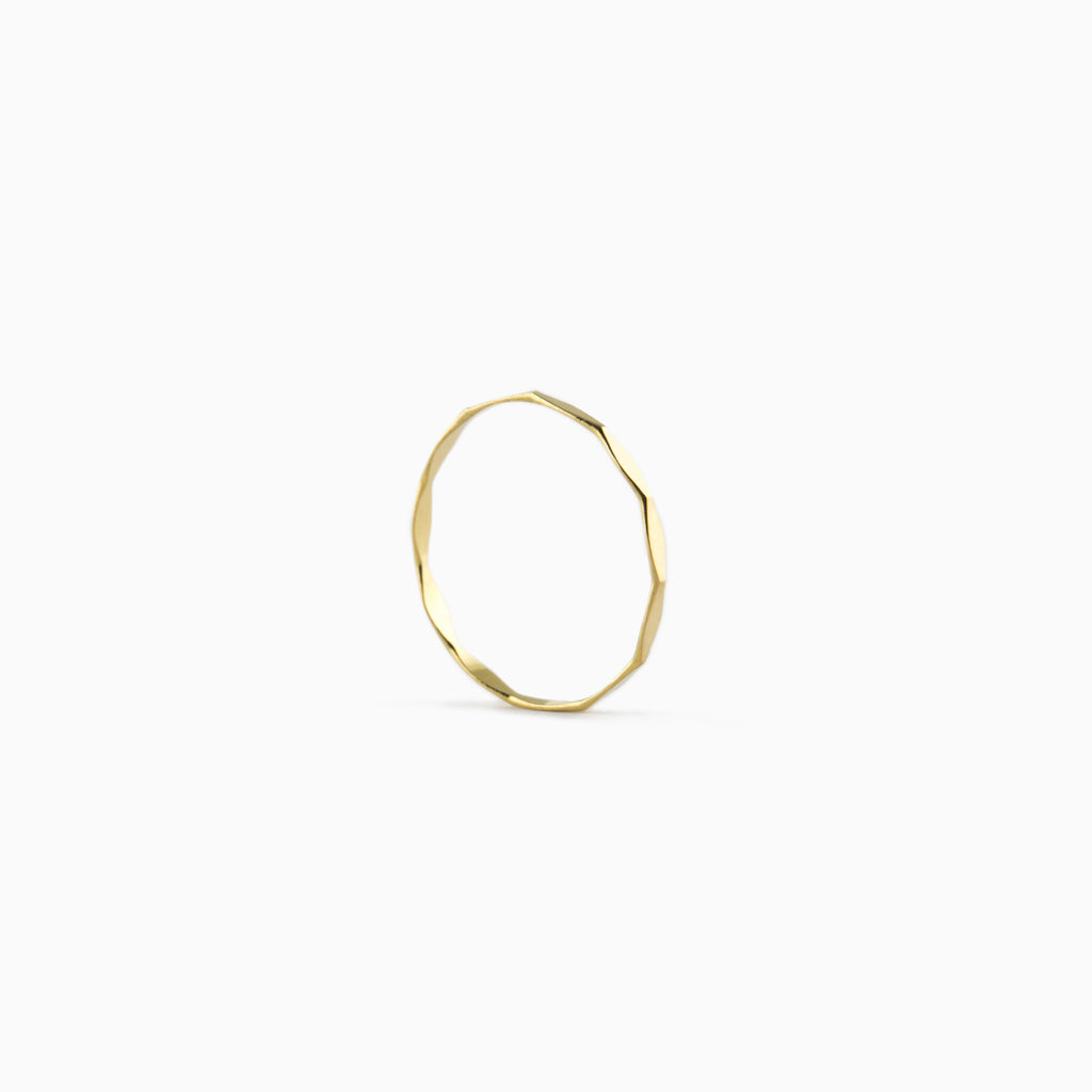 Micro-lozenge ring yellow gold