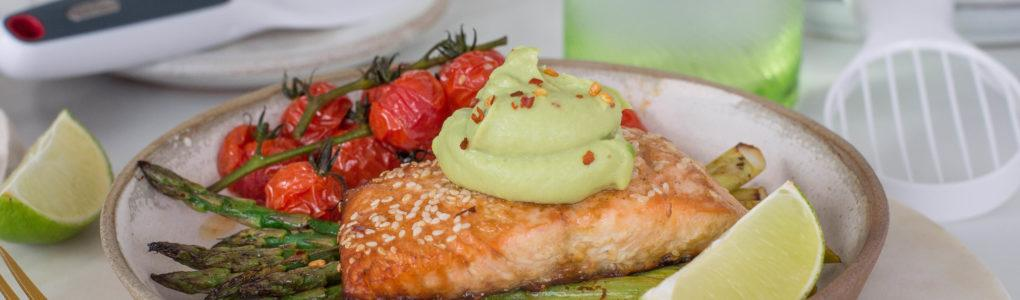 Crispy salmon with avocado cream