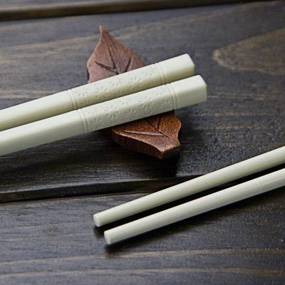 Hanabi Shiro Chopsticks close up