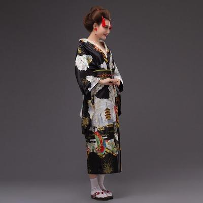 Japanese Traditional Woman black Kimono Kuro lateral view