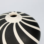 Load image into Gallery viewer, Swirl porcelain vase