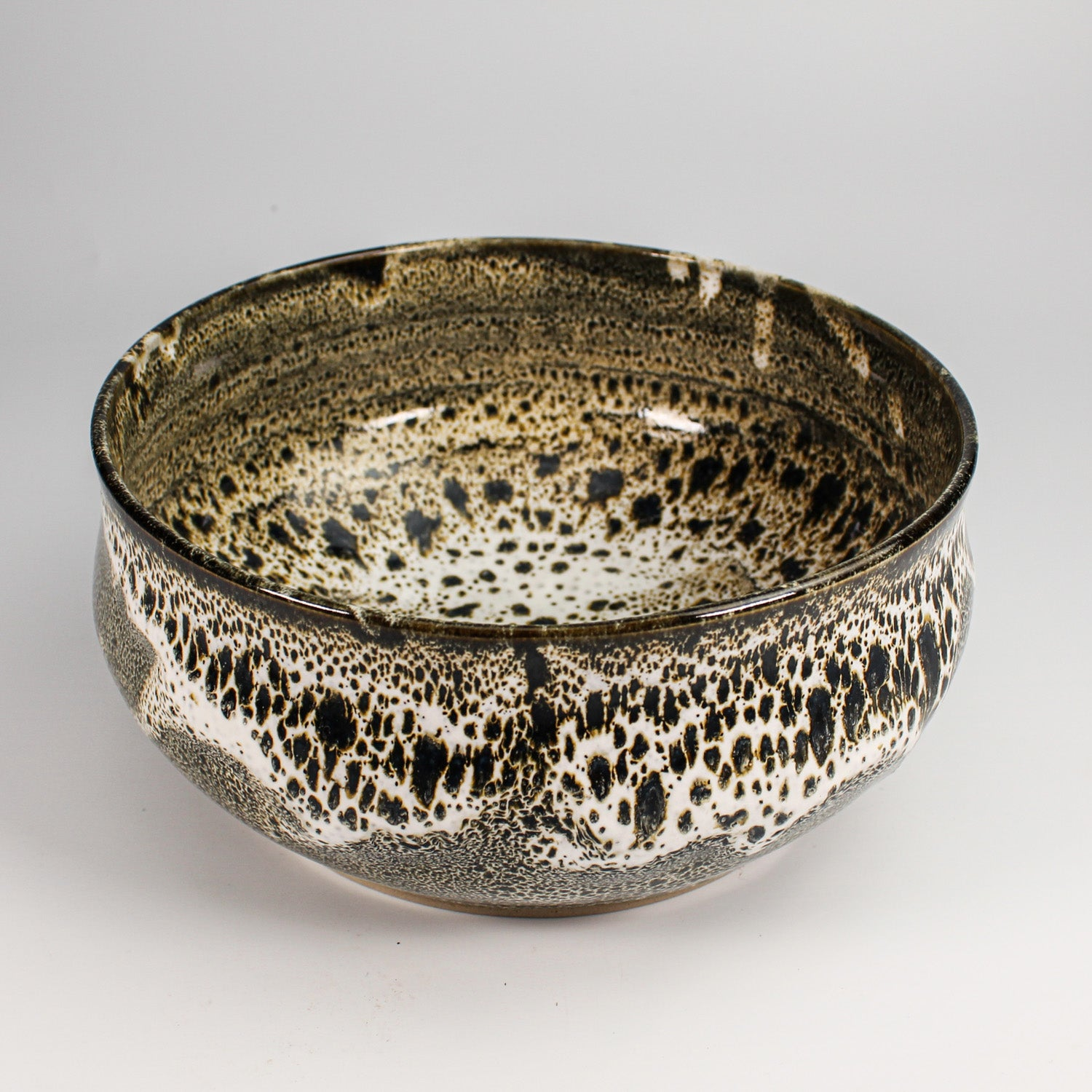 Stunning crocodile style glazed Japanese fruit bowl in brown and cream.