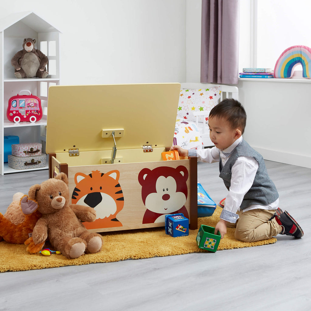 MZ3904-jungle-wooden-big-toy-box-lifestyle-jamie