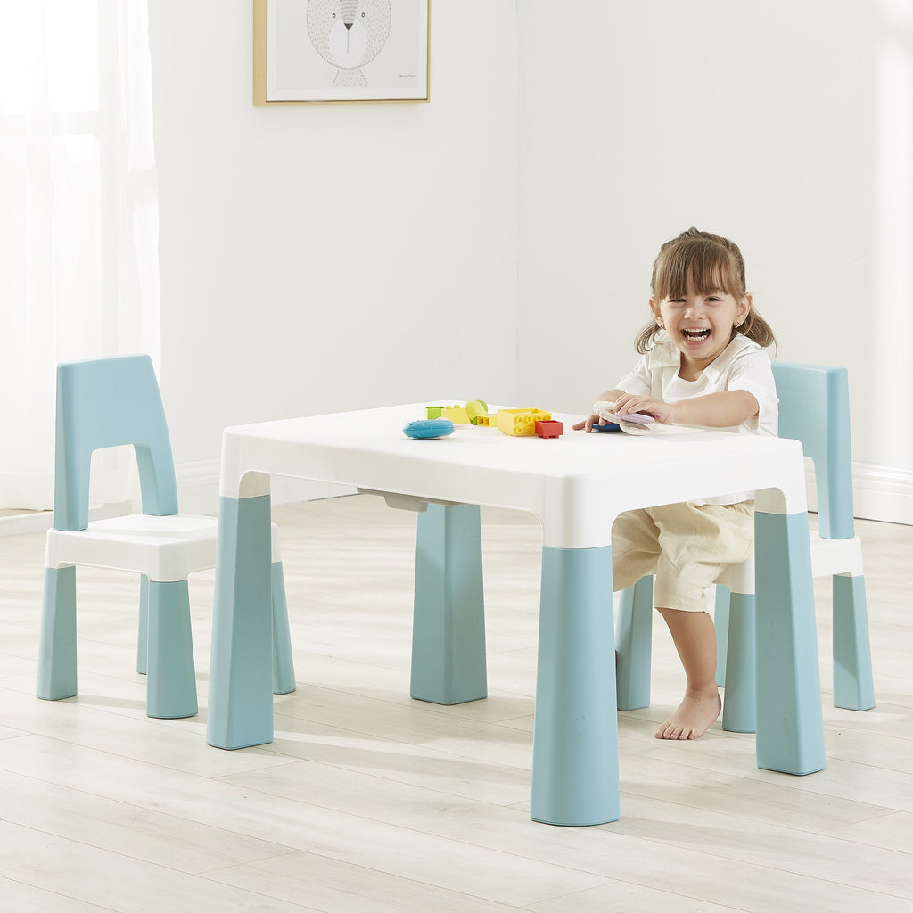 bs8817g-best-baby-white-and-green-table-and-2-chairs-lifetstyle-girl-1