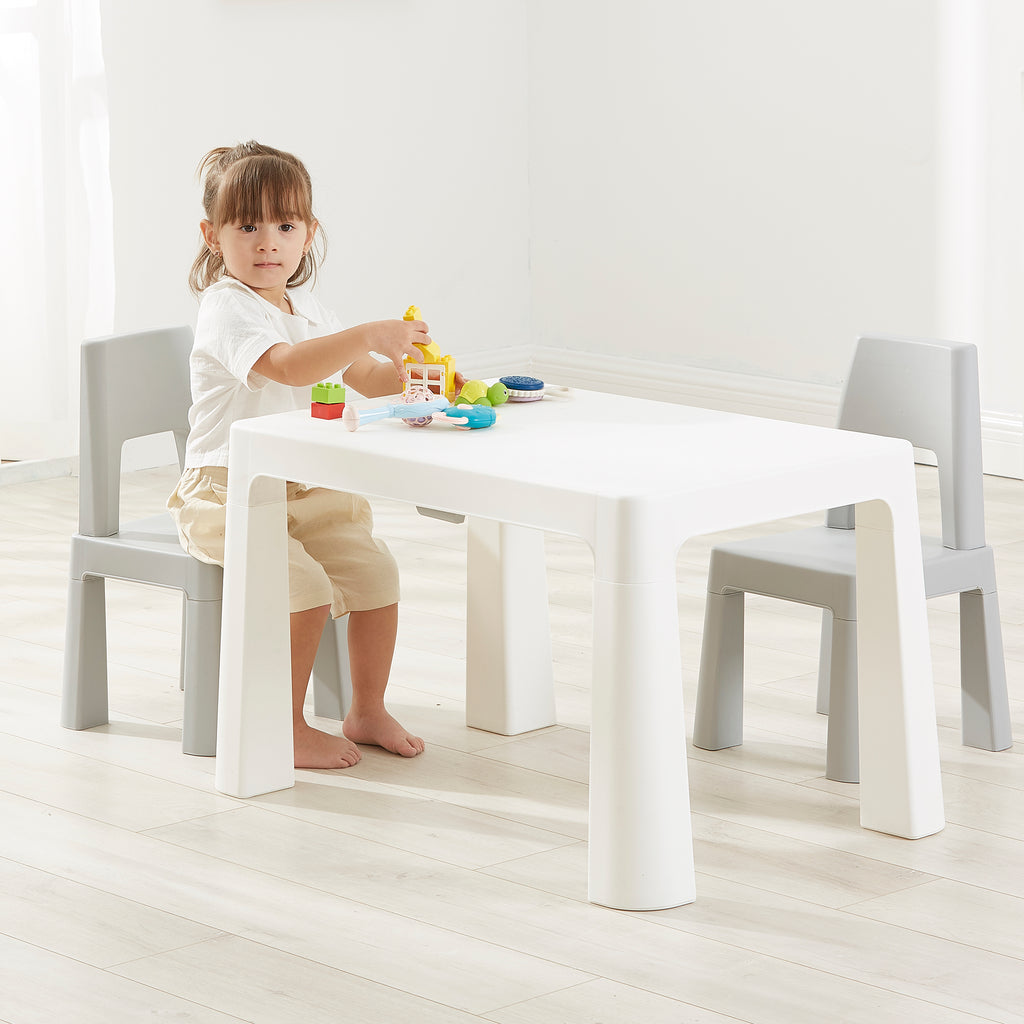 bs8817w-best-baby-white-and-grey-table-and-2-chairs-lifetstyle-girl-1