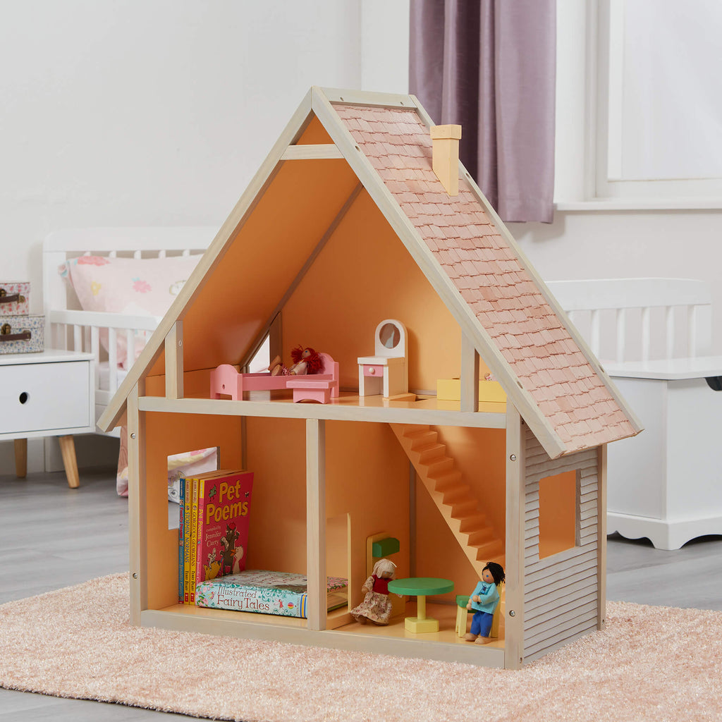 lht2003-doll-house-chalet-lifestyle