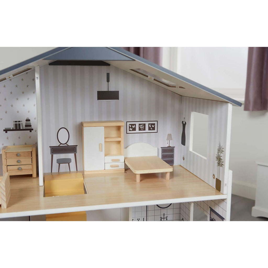 lhtz002-contemporary-dollhouse-lifestyle-close-up-bedroom