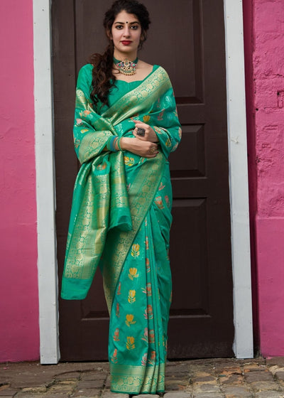 Green Silk Saree with Thread Embroidery work and Zari Border