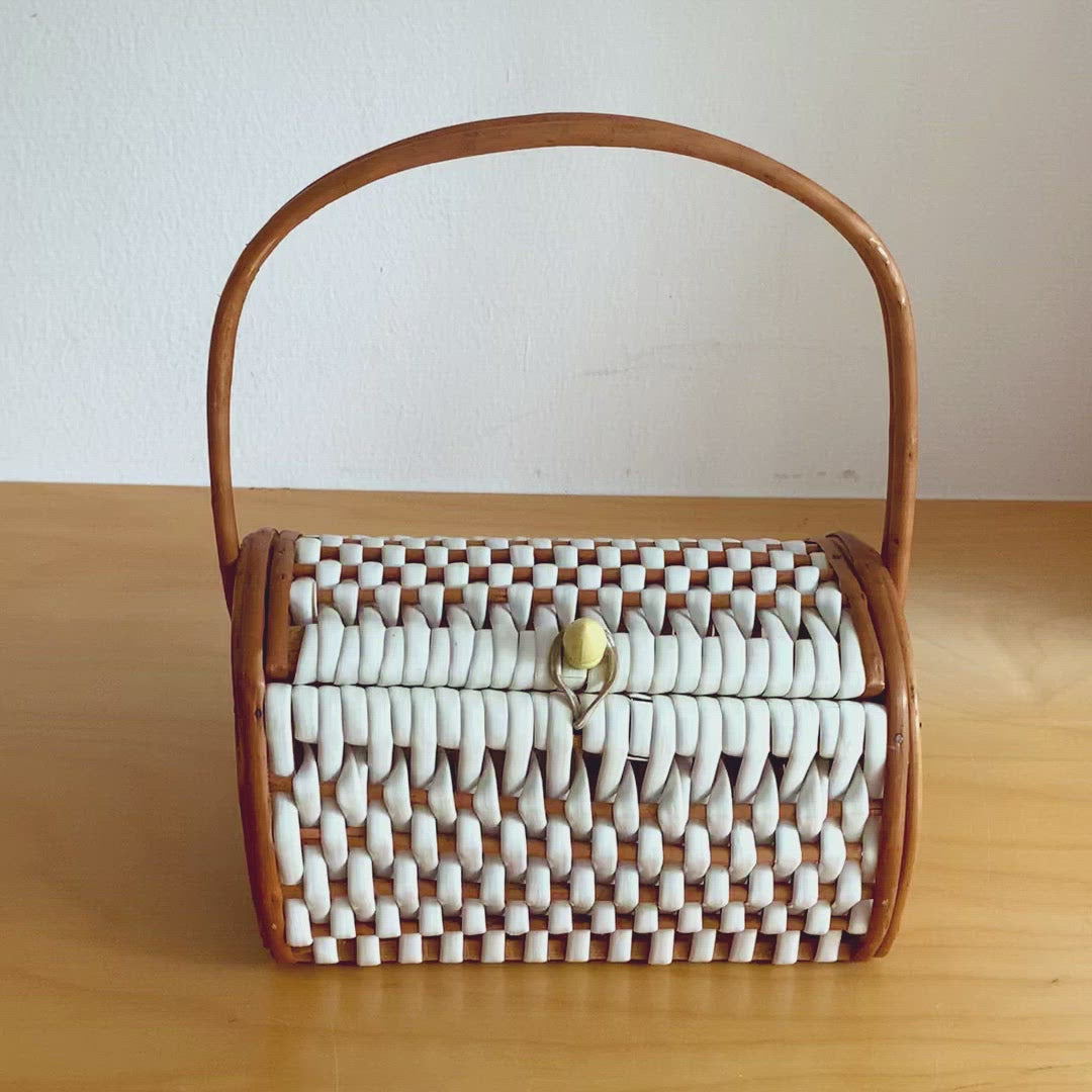 Vintage 70s White and Brown Woven Rattan Picnic Bag