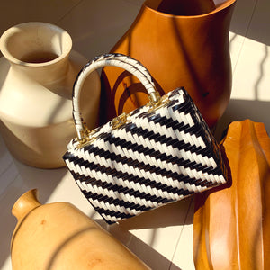 Vintage 60s Black & White Marchioness Woven Wicker Handbag