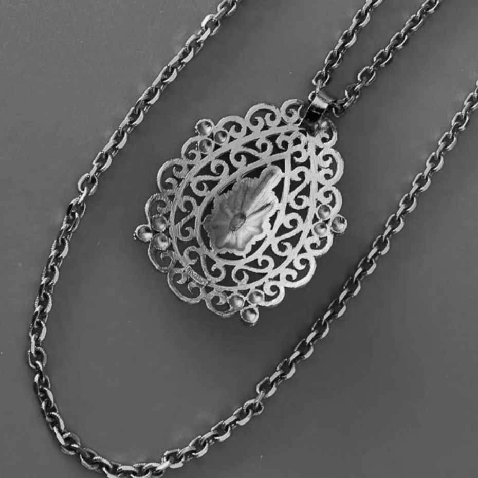 Vintage 60s Crown Trifari Filigree Pendant With Double Chain Necklace