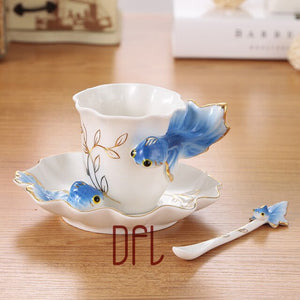 Enamel Coffee Mugs Procelain Tea Cups and Mugs With Saucer Spoon Peacock Swan Dolphins Europe Style Mark Creative Drinkware
