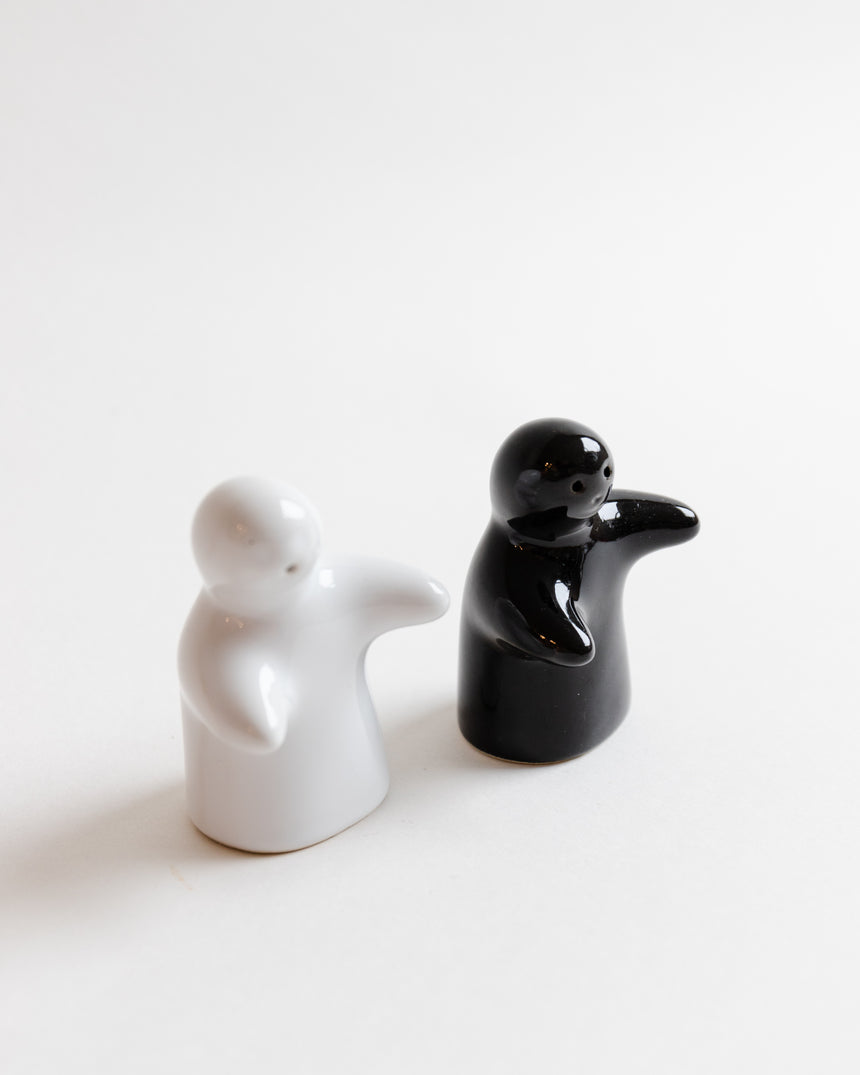 Black and White Hugging Ghostie Salt and Pepper Shaker
