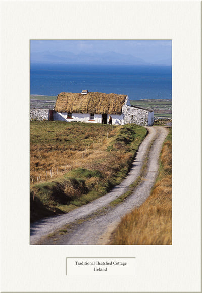Traditional Thatched Cottage - Visions of Ireland