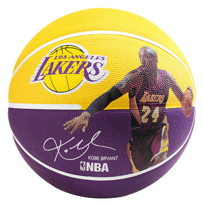 Ballon PLAYER KOBE BRYANT Spalding NBA T7