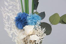 Load image into Gallery viewer, Mini Bouquet FV8