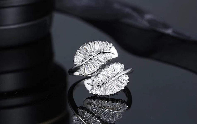 Icy Leaf Ring
