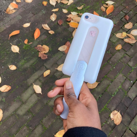 POPSICASE phone case with handle in hand