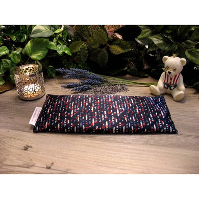 This eye pillow is made with a red, white and blue satin print, filled with organic flaxseed for unscented or choose organic lavender or peppermint for scented.