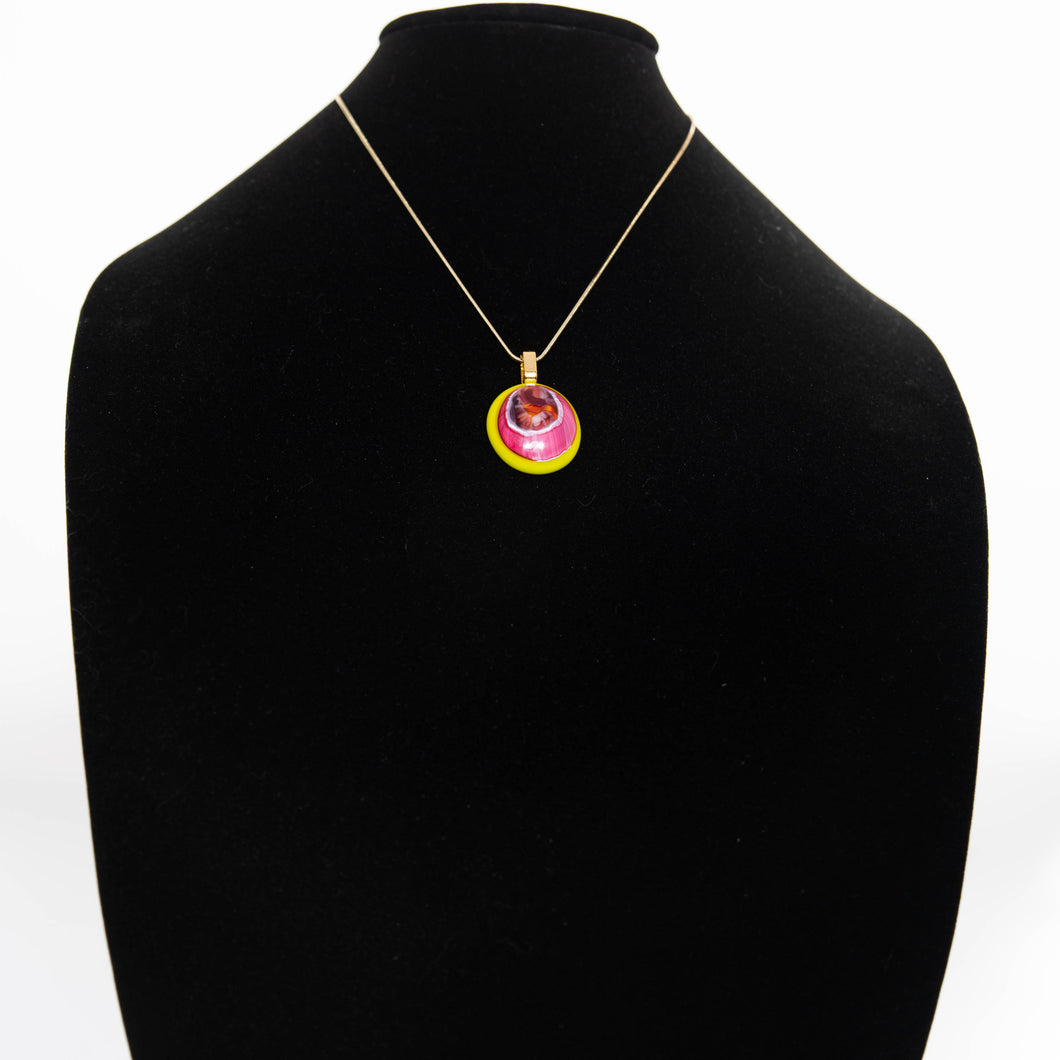 Jewelry - Rose and yellow round pendant