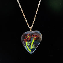 Load image into Gallery viewer, Jewelry - Woodsy heart shaped pendant with red flowers