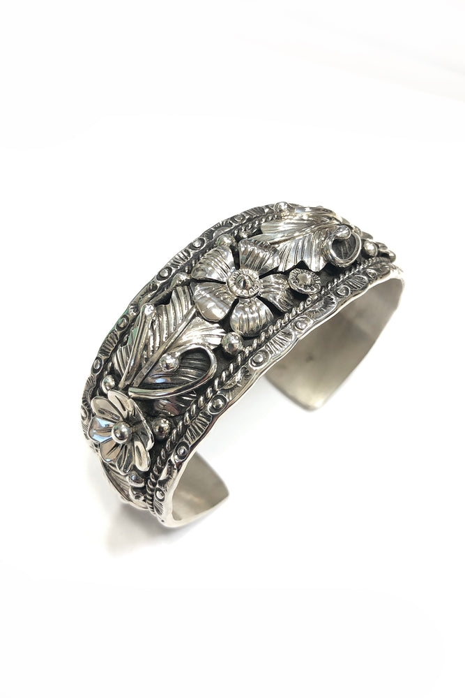 Load image into Gallery viewer, Navajo Sterling Silver Applique Cuff Bracelet