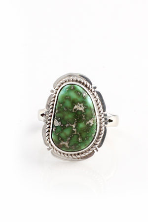Load image into Gallery viewer, Navajo Sonora Gold Turquoise Ring (Size 8)