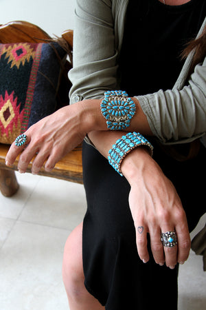 Load image into Gallery viewer, Navajo Turquoise Cluster Cuff