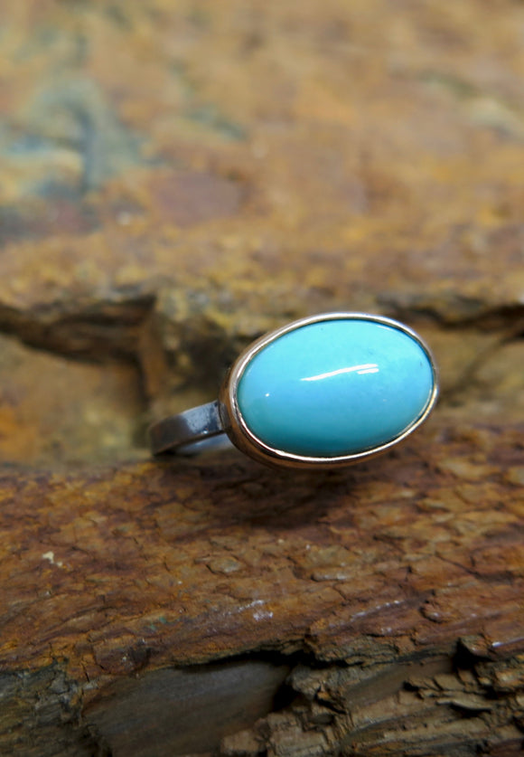 Cabochon Cut Turquoise and Gold Bezel Ring with Sterling Silver Band | Ishi