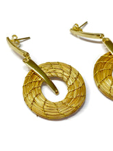Charger l'image dans la galerie, Golden Grass Hoop earrings