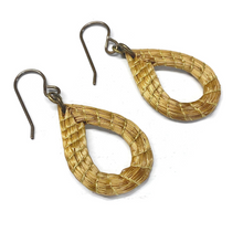 Load image into Gallery viewer, Golden Grass Earrings