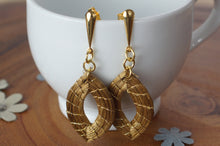 Load image into Gallery viewer, Marquise Earrings