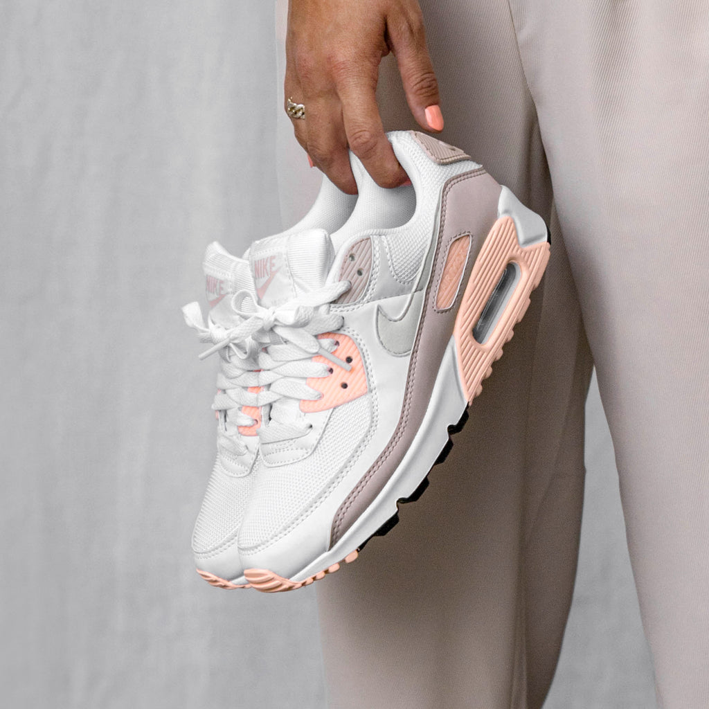 Nike Wmns Air Max 90 (White / Platinum Tint / Barely Rose)