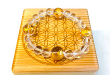 Load image into Gallery viewer, 四神の彫刻水晶のブレスレット 4GOD Clear Quartz Bracelet