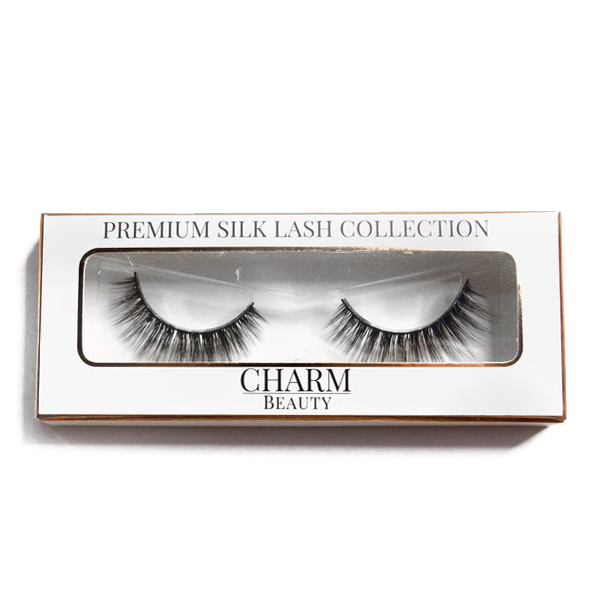 Charm beauty dreamer silk lashes in packaging