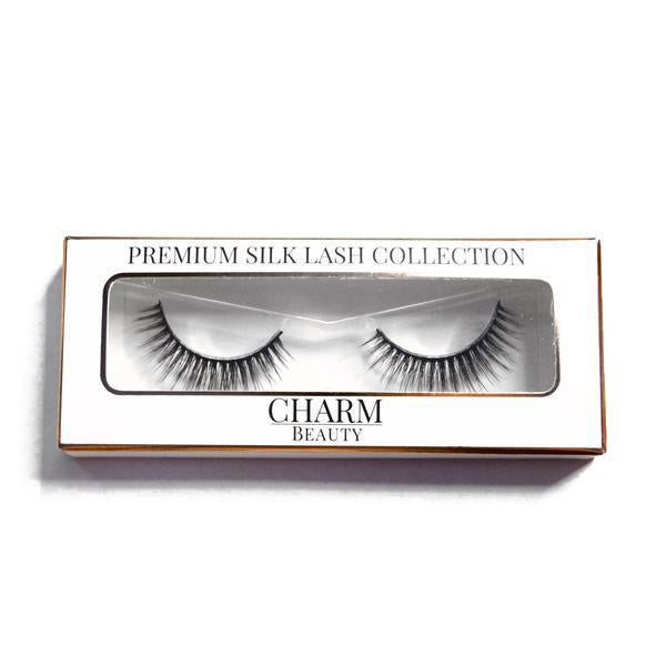 Charm beauty goddess silk lashes in packaging