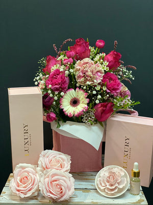 Luxurious Rose Petal Gift Set