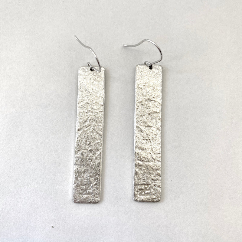 TIN BREATH Pierced earring 10x50mm