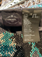 Load image into Gallery viewer, Prada Collection 2019 Snake Print Mini Pocket Skirt