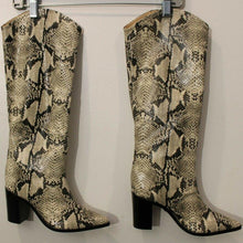 Load image into Gallery viewer, New Schuts Snakeskin leather boots