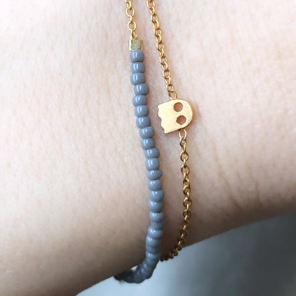 LULU Copenhagen STRING ARMBÅND - FORGYLDT Bracelets Gold with grey seed beads