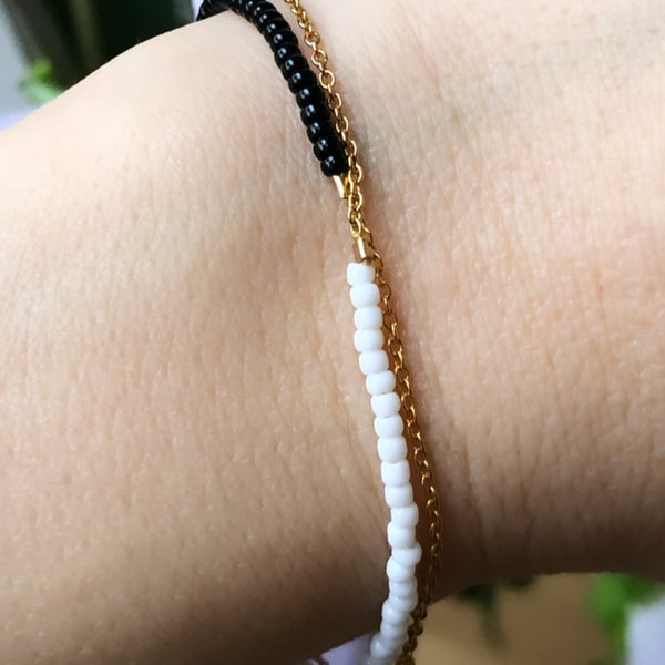 LULU Copenhagen STRING ARMBÅND - FORGYLDT Bracelets Gold with white seed beads