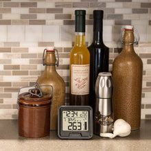 Load image into Gallery viewer, La Crosse Digital Rain Monitor with Indoor Temperature - 724-1409